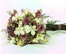 Code 10-L  Miami wedding, we offer exlcusive and customized Bouquets for brides, perfect and customized centerpieces... Church flowers setup, reception flowers setup and Premium DELIVERY services and wedding setup... Terra Flowers of Miami the wedding professionals